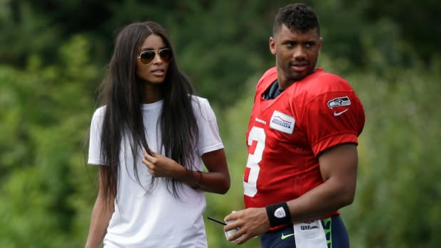 russell-wilson-taylor-swift-dance.jpg