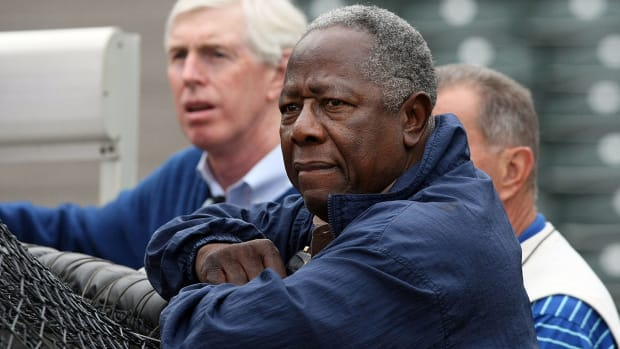 Report: Hank Aaron part of group looking to buy Atlanta Hawks IMAGE