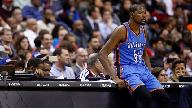 Thunder forward Kevin Durant out 7–10 days with strained hamstring--IMAGE