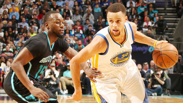 stephen-curry-third-quarter-golden-state-warriors-charlotte-hornets.jpg