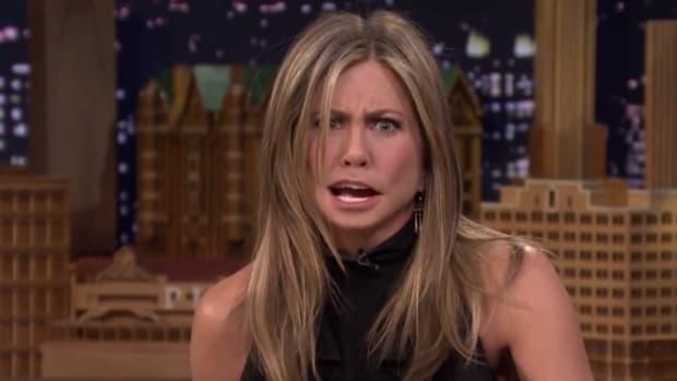 Jennifer Aniston, Jimmy Fallon swap mouths, talk about the Super Bowl