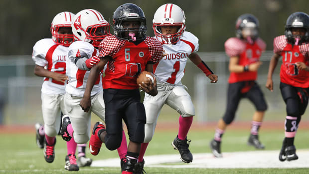 How young is too young to play tackle football?-image