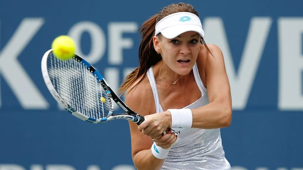 agnieszka-radwanska-misaki-doi-bank-of-the-west-classic.jpg