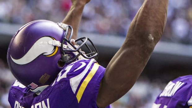 Adrian-Peterson's-agent-altercation-Vikings-exec