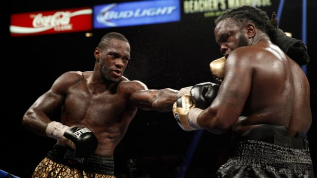 Deontay Wilder defeats Bermane Stiverne