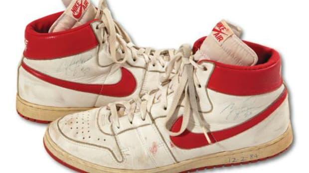 michael-jordan-game-worn-rookie-shoe-auction.jpg