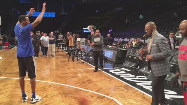 r_kelly_basketball_brooklyn_nets_video.jpg