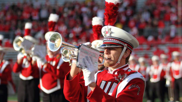 cancer-patient-wisconsin-badgers-band-icon.jpg