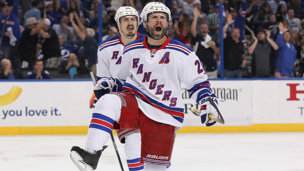 Martin St. Louis retires from the NHL after 16 seasons-- IMAGE