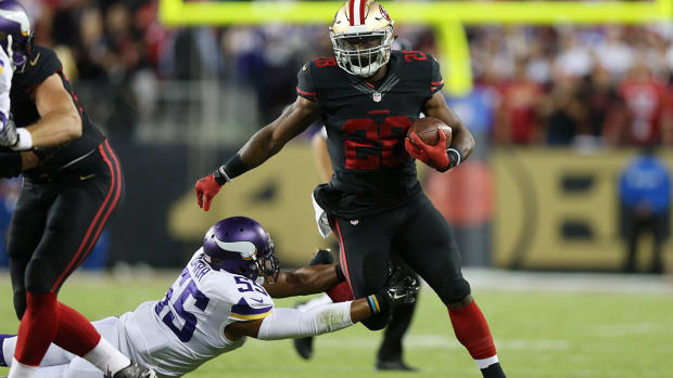 Hyde steals spotlight from Peterson's return as 49ers dominate Vikings - IMAGE