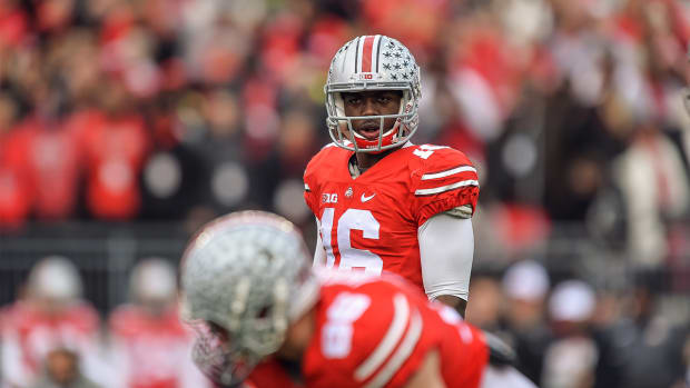 Ohio State QB J.T. Barrett loses summer scholarship after arrest - IMAGE