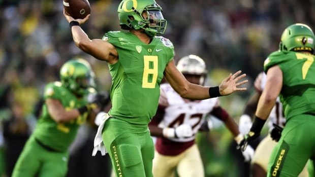 Oregon's explosive offense makes them worthy favorites - Image