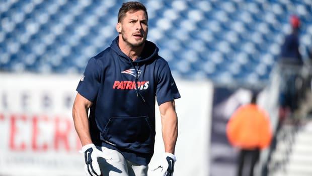 Report: Patriots WR Danny Amendola week-to-week with knee sprain--IMAGE
