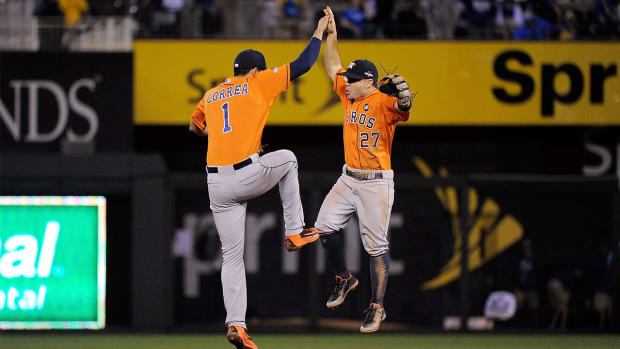 Astros defeat Royals 5–2 in ALDS Game 1