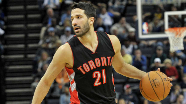 greivis-vasquez-traded-to-bucks.jpg