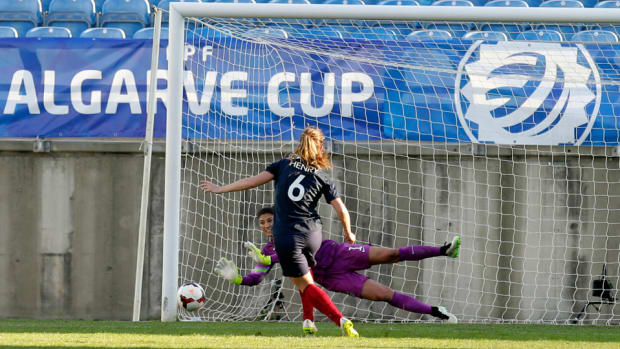 hope-solo-pk-save-algarve
