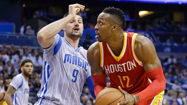 Dwight Howard (knee) expected to play Wednesday IMAGE