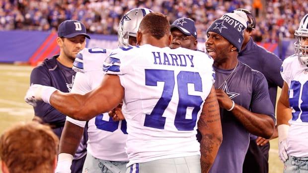greg-hardy-dallas-cowboys-confrontation-jason-garrett-disciplined.jpg