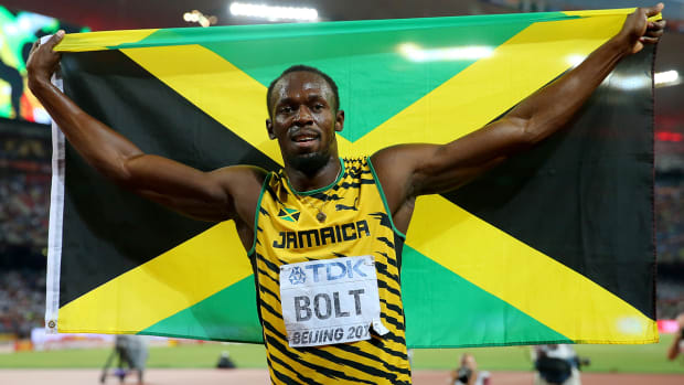 Usain Bolt hit by segway after winning 200M gold at World Championships--IMAGE