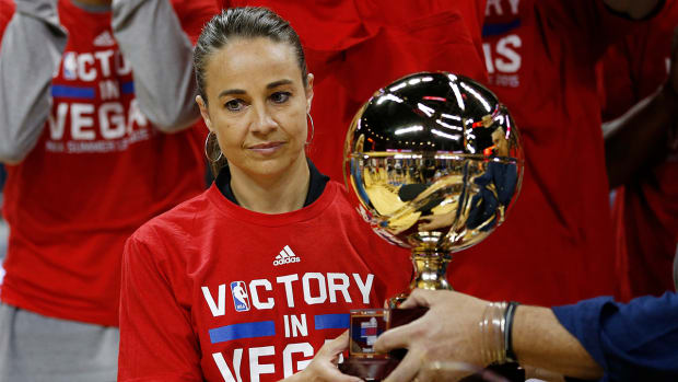 Becky Hammon coaches Spurs to Las Vegas Summer League title over Suns--IMAGE