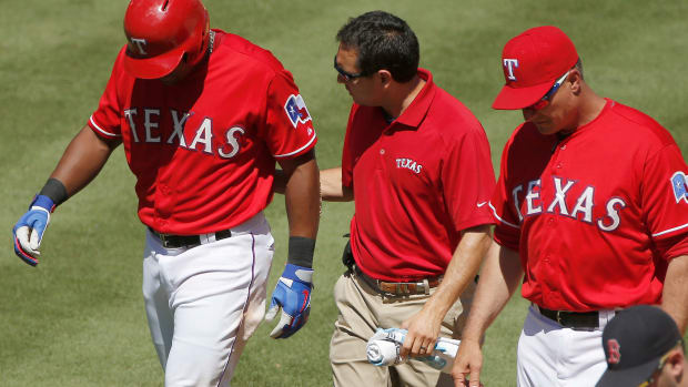 texas-rangers-adrian-beltre-injury-thumb-sprain.jpg