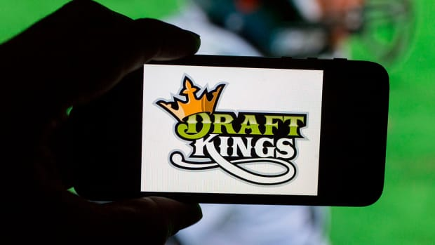 Report: FBI, U.S. Justice Department investigating daily fantasy sports -- IMAGE