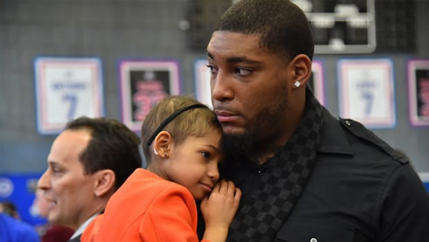 Devon Still announces daughter Leah is cancer-free - IMAGE