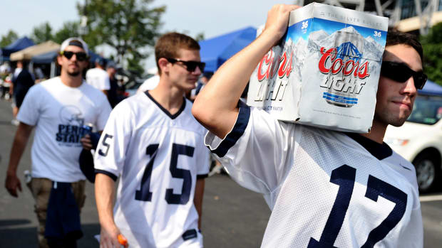 #DearAndy: Time to start selling beer at college football games? IMG