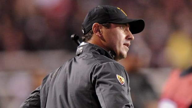 Steve Sarkisian apologizes for behavior, to receive treatment for alcohol--IMAGE