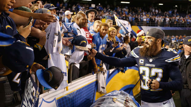 chargers-relocation-eric-weddle-qualcomm-stadium-photo-video.jpg