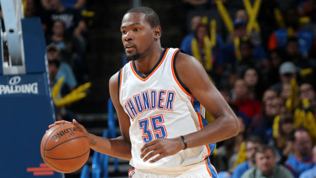 okc-thunder-kevin-durant-foot-injury-minute-restrictions.jpg