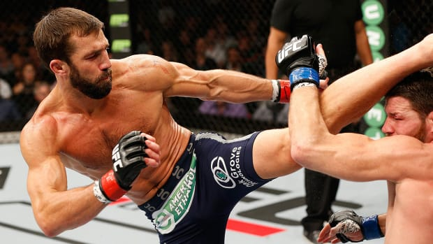 What's a 'fight cup' and why do UFC fans want Luke Rockholds?-image