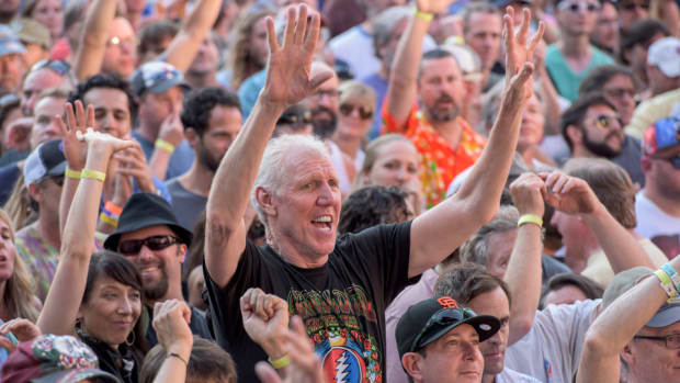 bill-walton-grateful-dead-farewell-tour.jpg