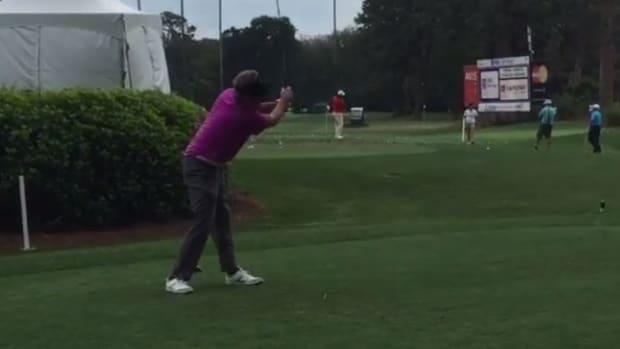 south_carolina_football_steve_spurrier_golf_swing_video.png