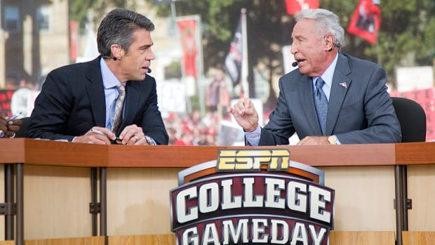 chris-fowler-college-gameday-host-us-open-serena-williams.jpg