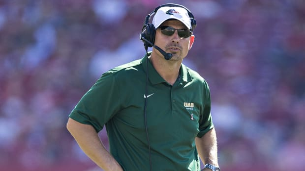 uab-blazers-coach-bill-clark-contract-extension.jpg