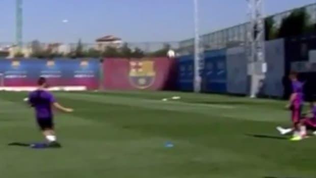 barcelona_martin_montoya_kick_basketball_video.png