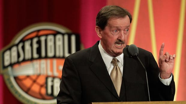 herb magee ap 1,000 story top