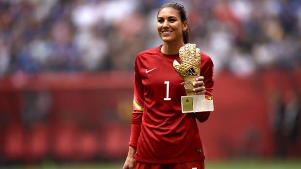 womens-world-cup-usa-hope-solo-golden-glove-award.jpg