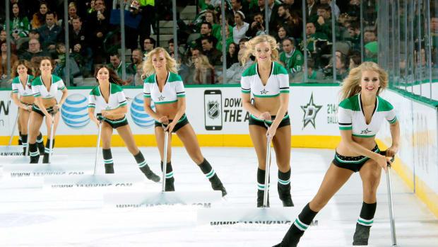 Dallas-Stars-Ice-Girls-463586396.jpg