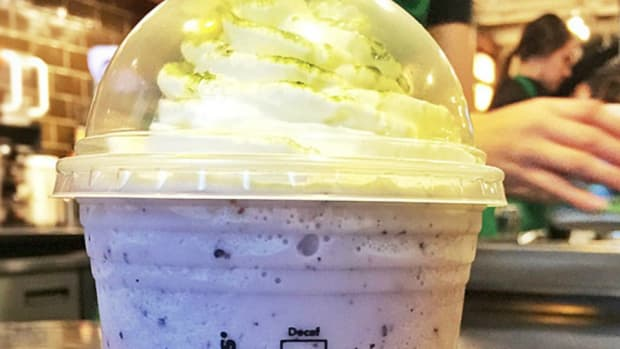 Starbucks offering blue and green Frappuccinos for Seahawks fans