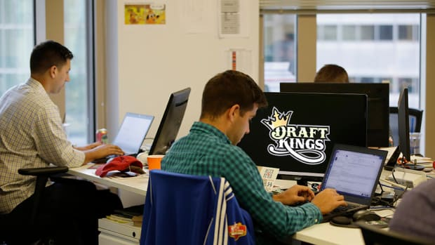 fanduel-draftkings-employees-insider-information.jpg