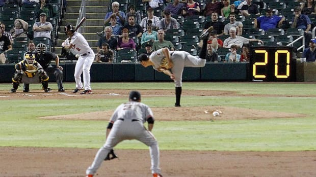 Report: MLB 'highly unlikely' to implement pitch clock in 2015 IMAGE