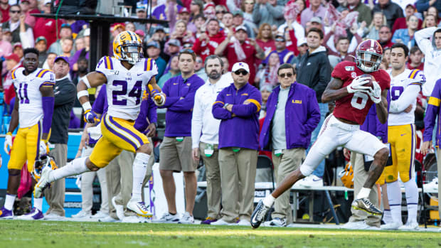 DeVonta Smith scored a touchdown against LSU