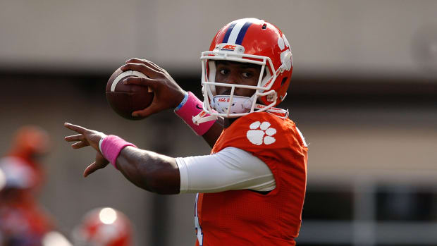 Dabo Swinney: Deshaun Watson could play against South Carolina IMAGE