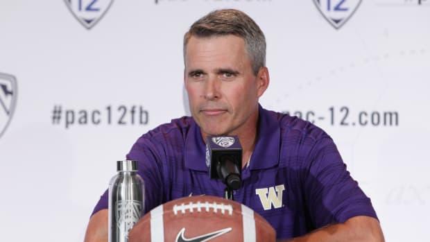 Washington coach Chris Petersen