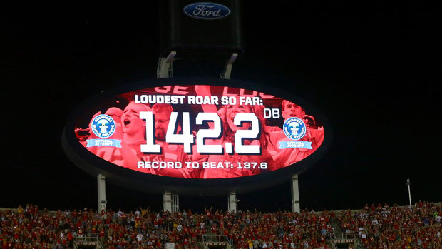 Chiefs fans set crowd noise world record on Monday Night Football