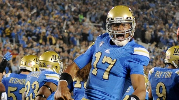 Brett Hundley may not return to UCLA after this season