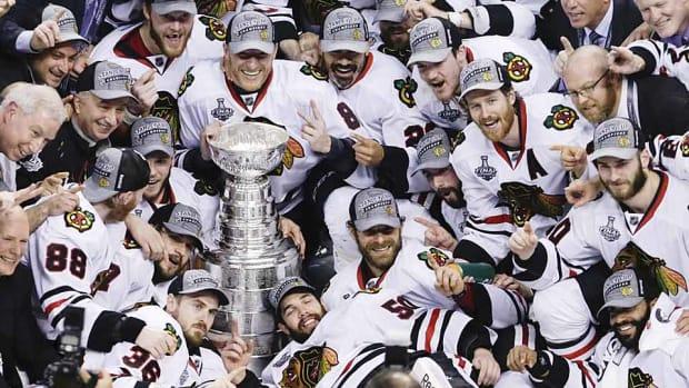 chicago-blackhawks-stanley-cup.jpg