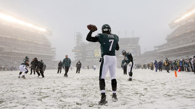 nfl-cold-weather-gear-lead.jpg